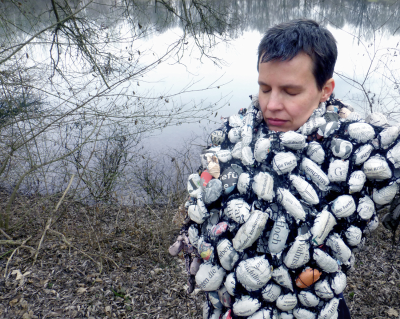 wearing the news, talking to earth. Ines Seidel. photo: Allun Turner.