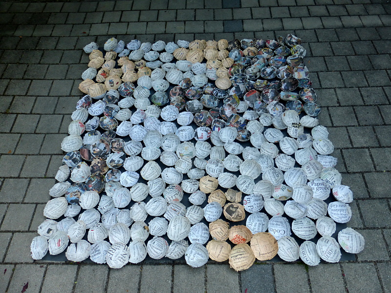 251 newspaper bowls covering 2 x 2 m.