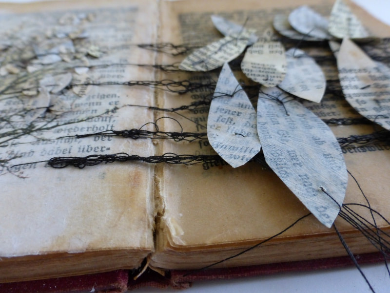 altering books, changing stories. Workshop with Ines Seidel